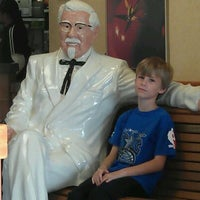 Photo taken at Taco Bell by Stephanie H. on 11/19/2011