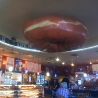 Photo taken at Happy Donuts by Crick W. on 8/18/2012