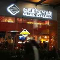 Photo taken at California Pizza Kitchen by Rodrigo B. on 1/3/2011