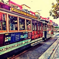 Photo taken at Powell Street Cable Car Turnaround by 🎀 Jeejay 🎀 on 8/25/2012