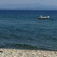 Photo taken at Raca Beach Club by Mervis on 7/28/2012