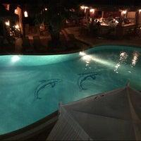 รูปภาพถ่ายที่ Delfino Blu Hotel โดย Bill G. เมื่อ 8/23/2012