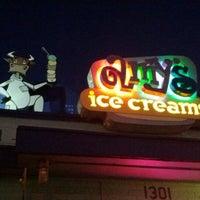 3/12/2012 tarihinde dannysullivanziyaretçi tarafından Amy's Ice Creams'de çekilen fotoğraf