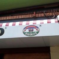 Foto tirada no(a) El Kioskito por Maria Luisa T. em 8/4/2012