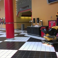 Foto scattata a AMC Loews Monmouth Mall 15 da Whip1242 il 6/23/2012