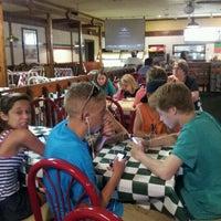 Das Foto wurde bei Godfather's Pizza von Amanda N. am 6/21/2012 aufgenommen