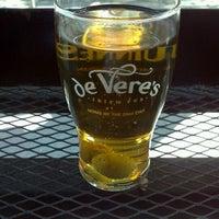 Photo taken at de Vere's Irish Pub by Mattee D. on 5/20/2012