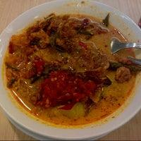 Photo taken at Ayam Goreng Kalasan by wiwi on 8/30/2012