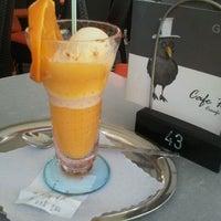 Das Foto wurde bei Eiscafe Raben von Gülcin G. am 5/10/2012 aufgenommen