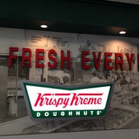 Photo taken at Krispy Kreme Doughnuts by Toyota T. on 8/19/2012