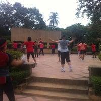 Das Foto wurde bei Thonburirom Park von kae t. am 6/16/2012 aufgenommen