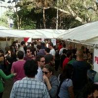 Foto tirada no(a) Praça Benedito Calixto por Marcus C. em 5/26/2012