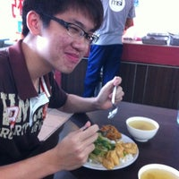 Photo taken at Fatty Mixed Rice (肥佬雜飯) by Edvin L. on 8/8/2012