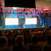 Foto scattata a The Mirage Convention Center da Jesse S. il 6/8/2012