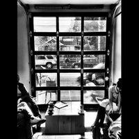 Foto scattata a Stumptown Coffee Roasters da Rudolph v. il 2/5/2012