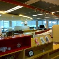 Photo taken at SK M&C 오아시스 by Vivian L. on 5/2/2012