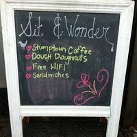 Снимок сделан в Sit & Wonder пользователем thecoffeebeaners 2/24/2012