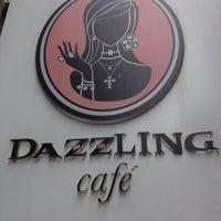 Das Foto wurde bei Dazzling Cafe Pink von Aki C. am 2/24/2012 aufgenommen
