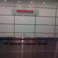 Foto diambil di PT. Honda Prospect Motor oleh young h. pada 8/14/2012