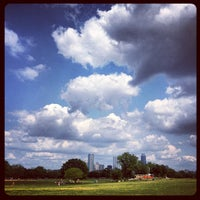 Photo prise au Zilker Park par Jason F. le4/8/2012