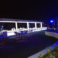 6/24/2012 tarihinde Haroon G.ziyaretçi tarafından White X  Beach Lounge'de çekilen fotoğraf