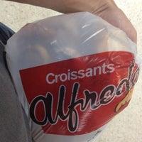 Foto tomada en Croissants Alfredo por Alejandro S. el 8/2/2012