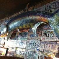 รูปภาพถ่ายที่ River City Cafe โดย Mike D. เมื่อ 6/19/2012