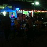 Photo taken at Kedai Minum Rahim by nazieyatul akmar a. on 2/22/2012