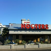 Photo taken at Hooters Restaurant by Simon W. on 6/22/2012