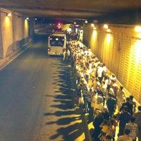 6/24/2012 tarihinde Nes Q.ziyaretçi tarafından Zincirlikuyu Metrobüs Durağı'de çekilen fotoğraf