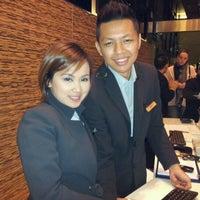 Снимок сделан в Traders Hotel пользователем AFFENDY 4/19/2012