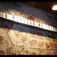 Foto tirada no(a) Butcher's Market por Renan M. em 5/10/2012
