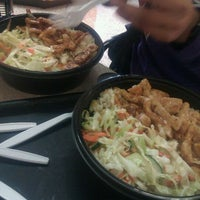 Photo taken at Noodle Express by prevuew k. on 5/13/2012