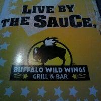 Foto tomada en Buffalo Wild Wings por Larry D. el 3/15/2012