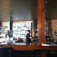 6/19/2012にBritton E.がNoni's Bar & Deliで撮った写真