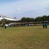 Photo taken at โรงเรียนเขลางค์นคร by Adulwit Y. on 5/23/2012