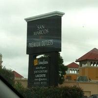 Foto tomada en San Marcos Premium Outlets por Monica T. el 7/1/2012