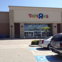 """Photo taken at Toys""""R""""Us / Babies""""R""""Us by Jonathan Harris B. on 4/1/2012"""