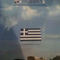 Foto tirada no(a) O Grego Gyros por Rafael A. em 4/17/2012