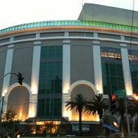 Foto tirada no(a) Shopping Vila Olímpia por Ana Cristina Mokdeci®  em 2/23/2012