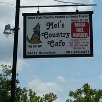 """Foto tirada no(a) Mel's Country Cafe por Jason """"Danger"""" D. em 8/4/2012"""