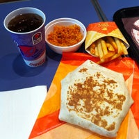 Photo taken at Taco Bell (C.C. La Vaguada) by Sara F. on 5/24/2012