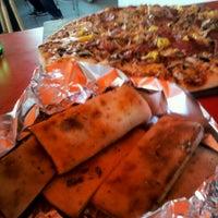 Das Foto wurde bei La Pizzería del Barrio von Ximena A. am 9/9/2012 aufgenommen