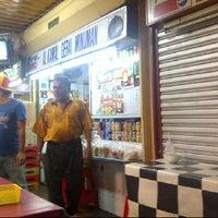 Photo taken at Al kamal Gerai Minuman by Mikaielle on 11/30/2011
