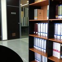 Foto tomada en Biblioteca Universidad Andrés Bello por Jorge N. el 7/11/2012