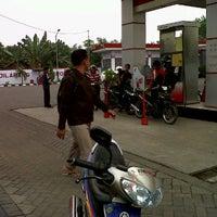 Photo taken at SPBU 5461322 by arik e. on 3/31/2012