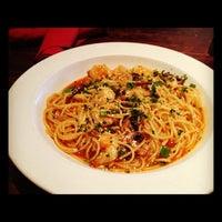 4/9/2012 tarihinde Joshua F.ziyaretçi tarafından Portobello's Grill'de çekilen fotoğraf