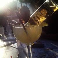 Foto tomada en Mucho Tequila And Tacos por Ariel A. el 6/16/2012