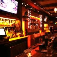 Снимок сделан в Ernie's Bar & Pizza пользователем David H. 12/3/2011