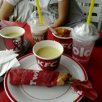 Photo taken at KFC by Dewijayanti D. on 11/15/2011